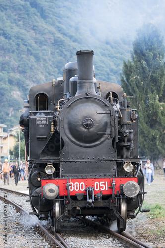 Fototapeta Old steam locomotive obraz na płótnie