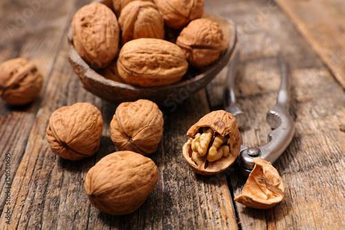 Fotografía  walnut and cracker