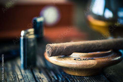 Fotomural close up view on cigar