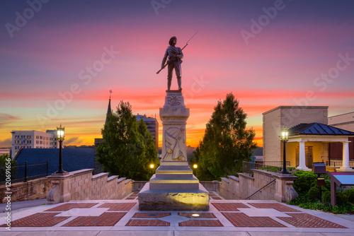 Cuadros en Lienzo  Lynchburg, Virginia Monument Terrace