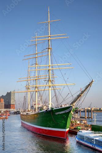 Spoed Foto op Canvas Poort Museumsschiff im Hamburger Hafen