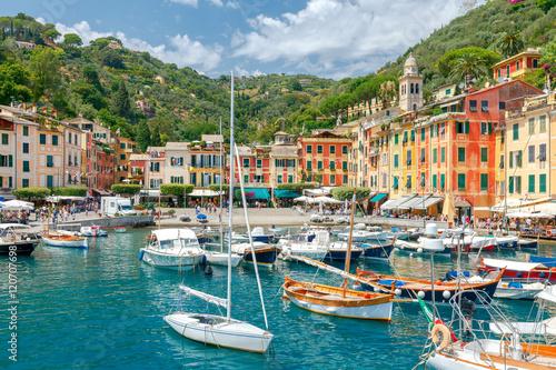 Obraz Portofino. Miejscowość wypoczynkowa w Ligurii - fototapety do salonu