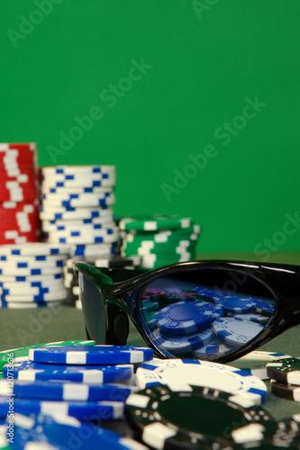 Poker table with sunglasses плакат