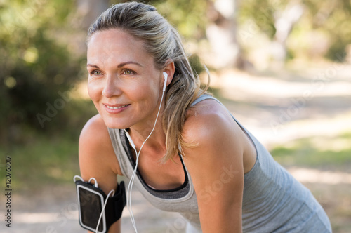 Cadres-photo bureau Jogging Mature woman jogging