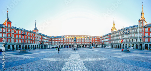 Cadres-photo bureau Madrid Morning Light at Plaza Mayor in Madrid , Spain