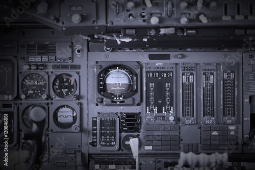 Photo Different meters and displays in an old plane