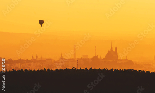 Fotomural  Morning over Brno - Czech Republic, Sunset over the City, Silhouette of Cathedra