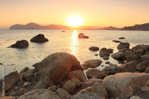 Fotobehang Praag Sunset over sea