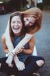 canvas print picture - Freundinnen lachen zusammen