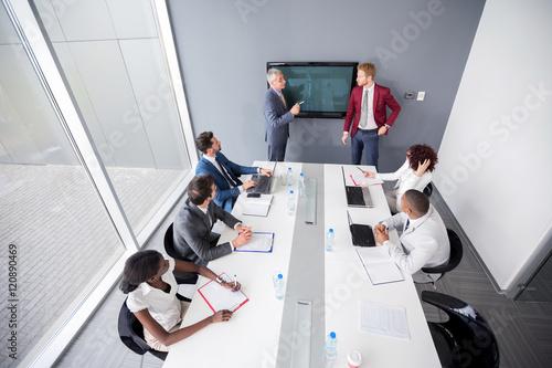 Fotografía  Multiethnic company meeting with employees