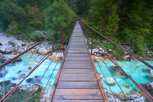 Most wiszący w dolinie Soca, Słowenia