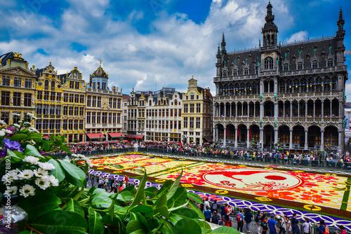Foto op Canvas Brussel Tapis de fleurs sur la Grand-lpace de Bruxelles, célébrant l'amitié entre la Belgique et le Japon