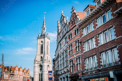 Pinturas sobre lienzo  Le beffroi de Tournai et la Grand-place