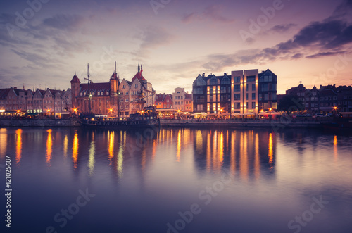 Foto auf AluDibond Stadt am Wasser Waterfront in the evening with moored ship, Gdansk, Poland