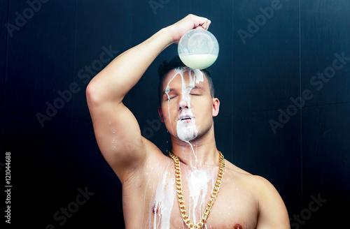 Fényképezés  man pouring milk