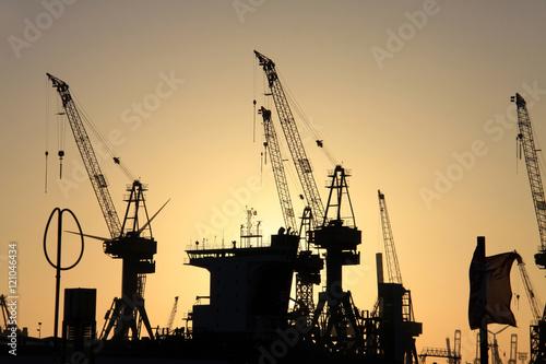 Photo  Kräne im Hafen