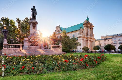 Obraz Pomnik Adama Mickiewicza na Krakowskim Przedmieściu w Warszawie - fototapety do salonu
