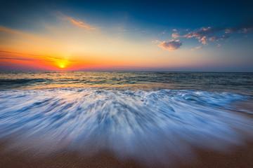 Panel Szklany Podświetlane Do pokoju Beautiful sunrise over the sea