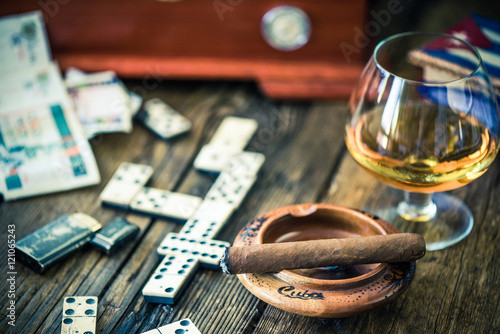 Cuadros en Lienzo traditional cuban game and cigars