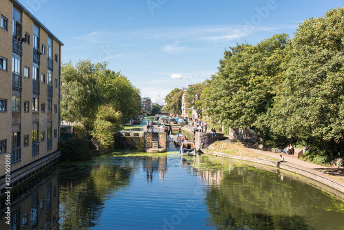 View of Regent's canal near Hackney Canvas-taulu