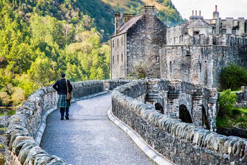 Foto  Eilean Donan Castle, Highlands, Scotland