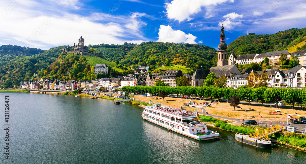 Fototapety, obrazy: Romantic river cruises over Rhein - medieval Cochem town. Germany