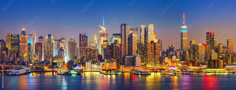 Fototapety, obrazy: View on Manhattan at night, New York, USA