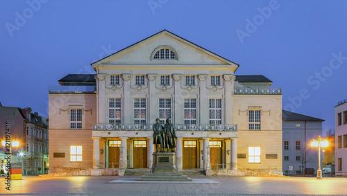 Photo  Deutsches Nationaltheater  Weimar beleuchtet UNESCO Erbe