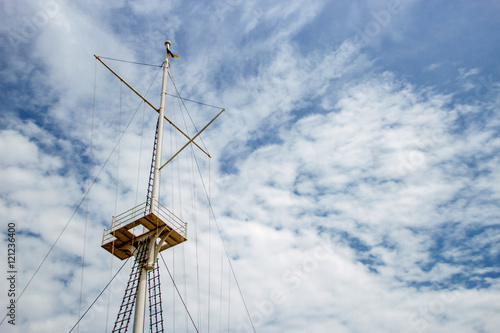 Valokuva spar sail on clound day