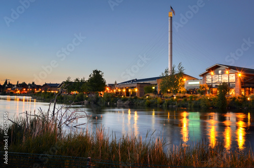 Photo Renovated Old Industrial Buildings in Bend, Oregon, at Twilight