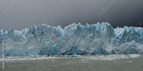 Photo Stands Glaciers Perito Moreno Glacier, Lake Argentino, Los Glaciares National Pa