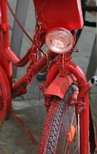 Rot Lackiertes Fahrrad