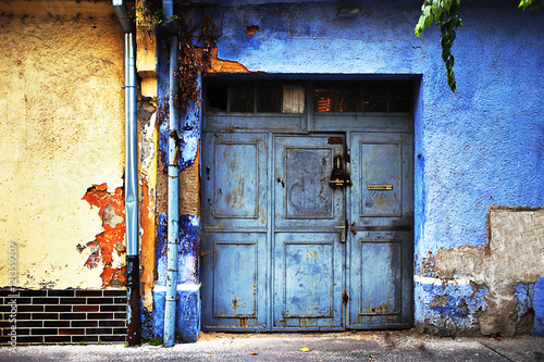 Poster Imagination wooden blue doors