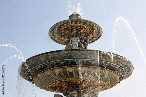 Poster Fontaine Vasques de la fontaine des Mers place de la Concorde à Paris, France