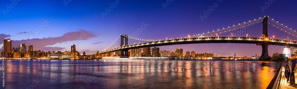 Manhattan Bridge Panorama mit New York Skyline