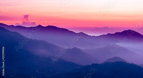 Keuken foto achterwand Bergen purple sunset in the mountains