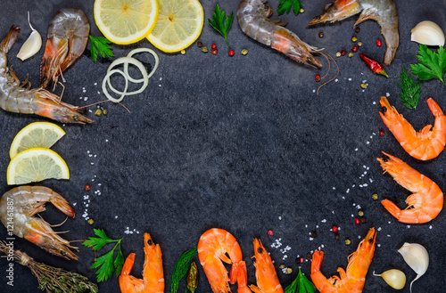 Fotobehang Schaaldieren Copy Space Frame with Seafood Shrimps and Ingredients
