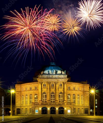 Staande foto Theater Silvester Feuerwerk am Opernhaus in Chemnitz Sachsen