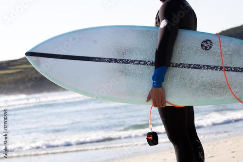 Papiers peints Arctique Surfista en la playa