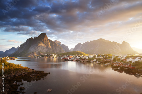 Foto auf Gartenposter Skandinavien summer sunrise, Reine Village, Lofoten Islands, Norway