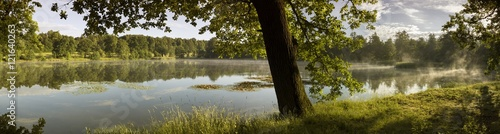 Foto op Plexiglas Landschappen Lake at dawn - panorama