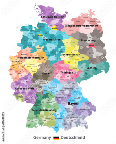 Fotomural  vector Germany map (colored by states and administrative districts) with subdivi