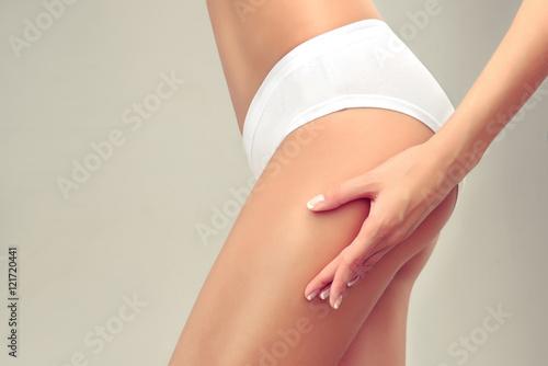 Obraz na plátně Slim tanned woman Perfect Body