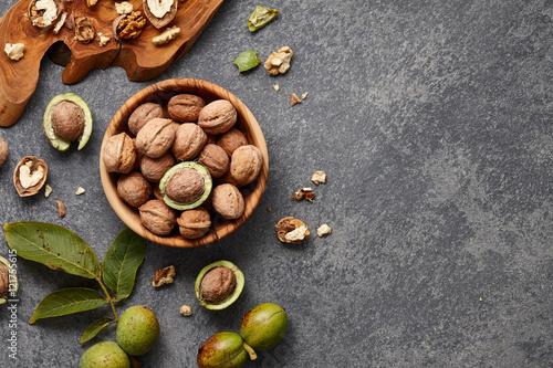 Obraz Fresh walnuts bowl - fototapety do salonu