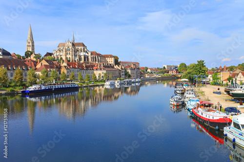 Pinturas sobre lienzo  Auxerre, bords de l'Yonne, abbaye Saint-germain,   Bourgogne-Franche-Comté,