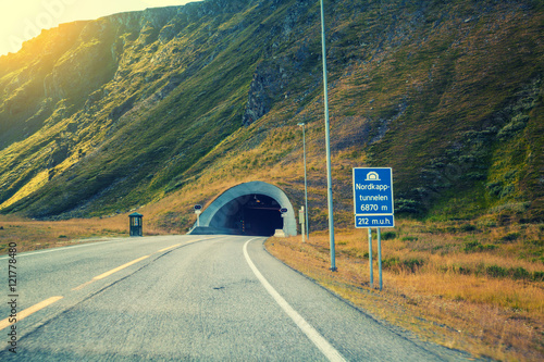 Papiers peints Tunnel Entrance to the Nordkapp tunnel, Norway