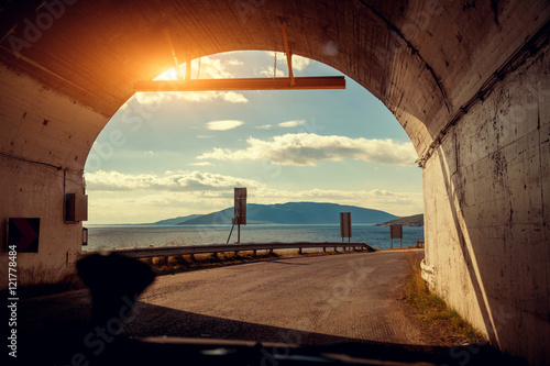 Papiers peints Tunnel The end of the tunnel. Driving a car on a mountain road