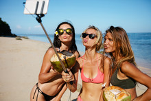 Women Pouting For Selfie On Th...