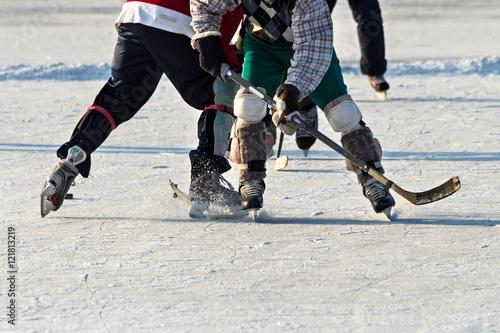 Plakat Ludzie grający w hokeja amatorskiego