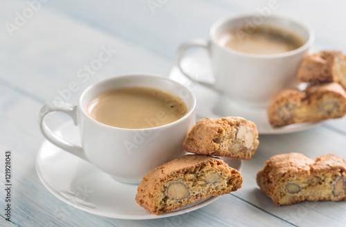 Fotografija Two cups of coffee with cantuccini